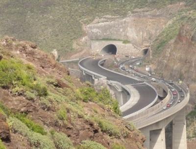 Autobahnbau - auf Gran Canaria immer ein heißes Thema.