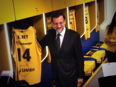MP Rajoy gerade in der Mannschaftskabine. Foto: Twitter