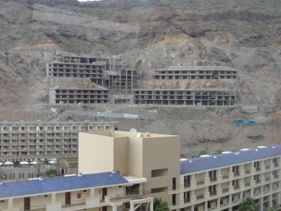 Hotel-Ruinen in der Gemeinde Mogán: Doch neu gebaut werden darf zur Zeit nicht.