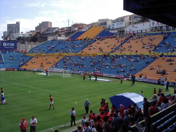 Ein Fußballspiel im Juli 2003 im alten Stadion. Foto: Twitter